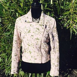 Blank NYC pink floral jacket size medium.